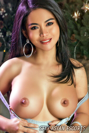 Donna (23) London Asian Escort