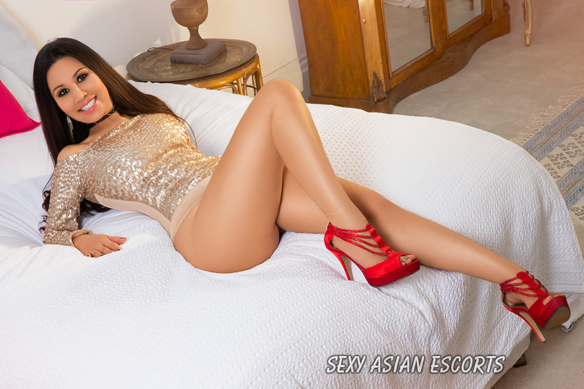 Demi Asian Escort